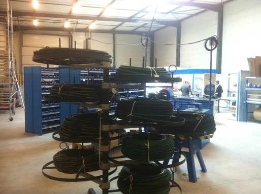 Manufacture of hydraulic hoses in our workshops