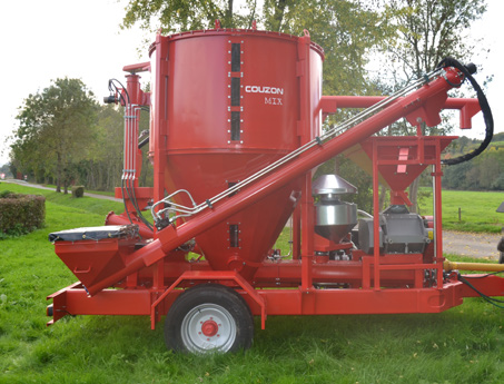 hydraulic system for agricultural vehicle